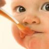 Фруктовые пюре для маленького ребенка