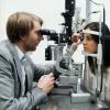 Экзофтальм глаза: причины заболевания и способы его лечения