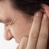 Как избавиться от пробок в ушах самостоятельно?