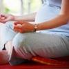 Как йога помогает подготовиться к родам?