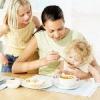 Как правильно приучать малыша к прикорму
