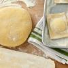 Как приготовить сдобное дрожжевое тесто для пирожков в духовке и хлебопечке?