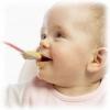 Когда вводить первый прикорм ребенку