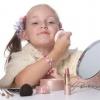 Мамина косметика и дочь: учим девочку обращаться с декоративной косметикой