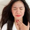 Першит в горле и хочется кашлять длительное время: возможные причины и методы лечения