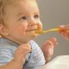 Первый прикорм для маленького ребенка
