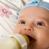 Причины срыгивания у маленького ребенка