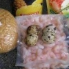 Салат креветки, перепелиные яйца