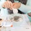 Скрабы для лица в домашних условиях: рецепты приготовления с солью, содой и кофе