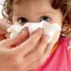 Сосудосуживающие капли при лечении насморка у ребенка