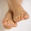 Спасет ли мазь от потливости ног?