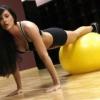 Упражнения на фитболе для мышц человека