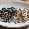 Жареные семечки: польза и вред для организма человека, состав и калорийность